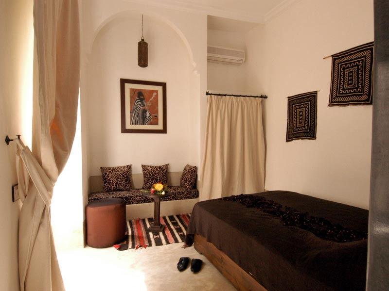 Cheikh Bedroom